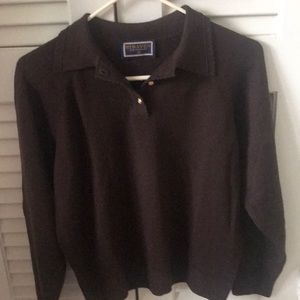 Classic ladies collared sweater by Straven M